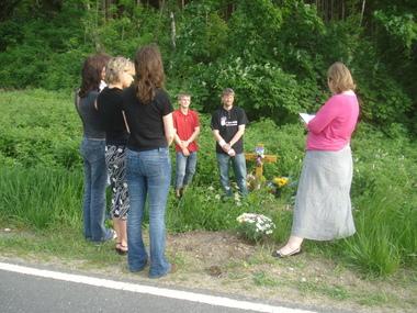 lesung an der Unfallstelle von caspar und Sven am 29.5.2008.