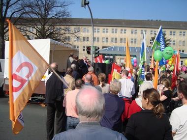 Allparteien-Demonstration vor dem Rathaus Reinickendorf